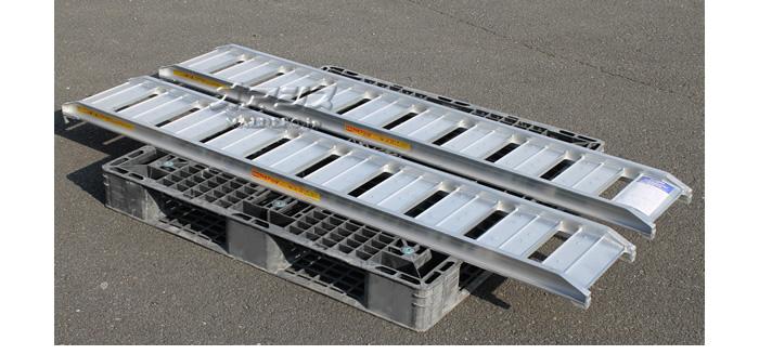 昭和ブリッジ 農機用アルミブリッジ SRC180-25-0.5(2本セット) 長さ180cm×幅25cm 0.5t